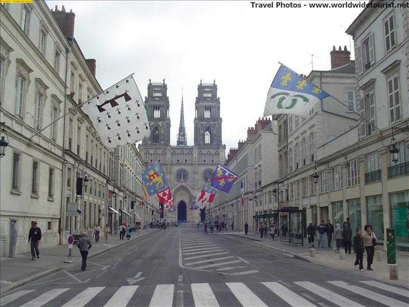 Orleans - Jeanne D'Arcs town.JPG