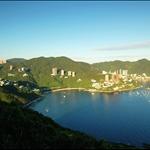 深水灣及後方的紫羅蘭山及孖崗山