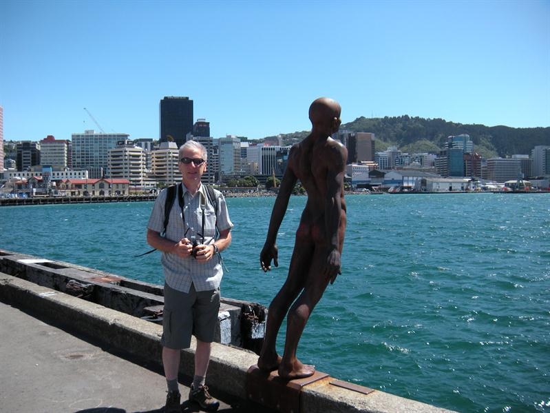 Pete and one of the statues at Wellington