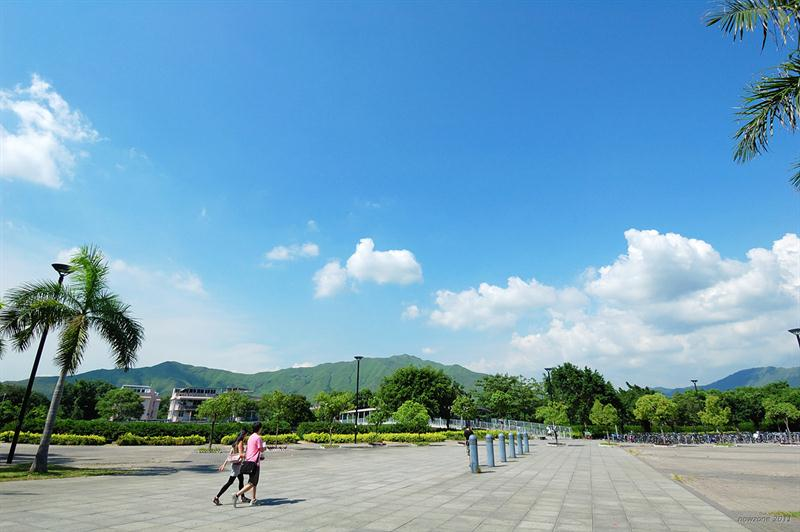 西鐵錦上路站 MTR Kam Sheung Road Station