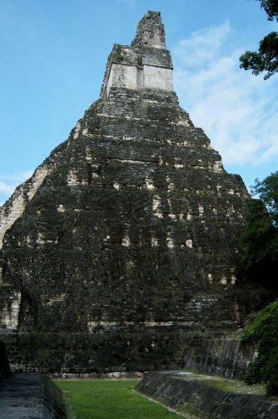 TIKAL, GUATEMALA - ACROPOLIS CENTRAL