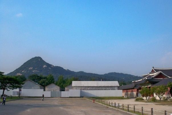 """09/14 - chuseok @ gyeongbokgung -   the english name for this palace is """"palace of shining happiness"""""""