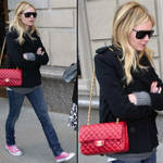 actress-celebrity-star-kristen-dunst-chanel-255-flap-classic-bag-red.jpg