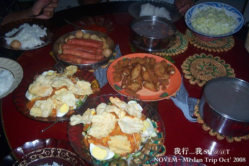 阿姨一家人热情招待,真的好丰富的一餐。。