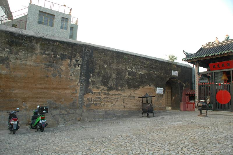 舊城牆遺址Section of the Old City Wallls