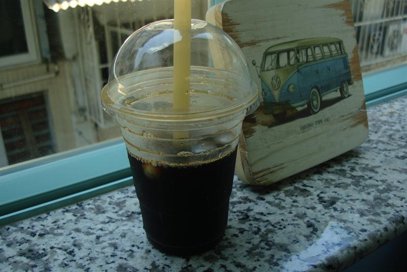 很苦的冰滴咖啡,直覺就是放隔夜的