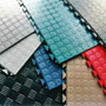 Portable Rubber Gym Tiles and Mats have a Lovely Look to the Gym Floors. This Rubber Flooring tile and mats are slip resistant and very simple to install. no adhesive required      .  http://www.gymflooringuk.co.uk/