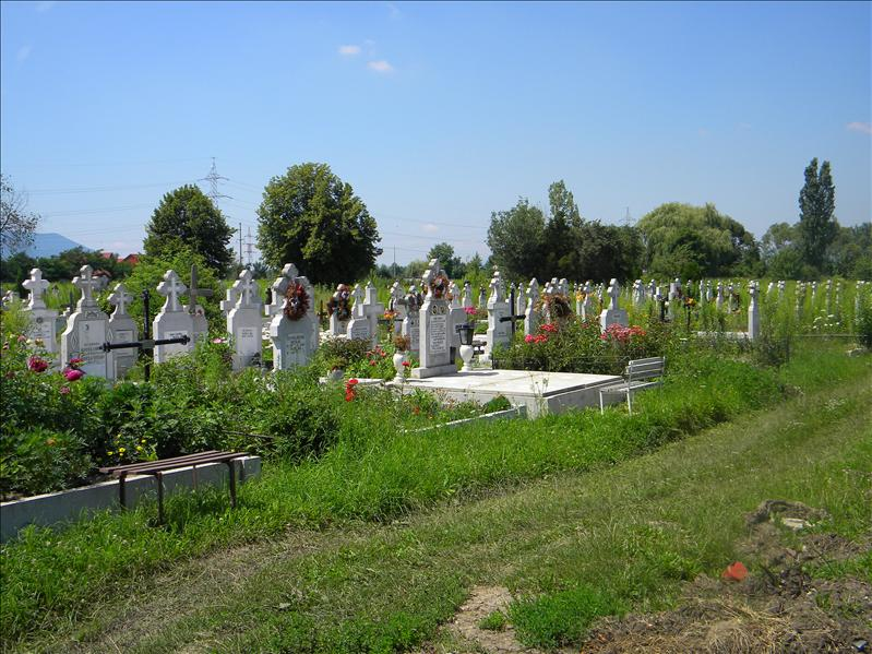 Central cemetery of Brasov :l