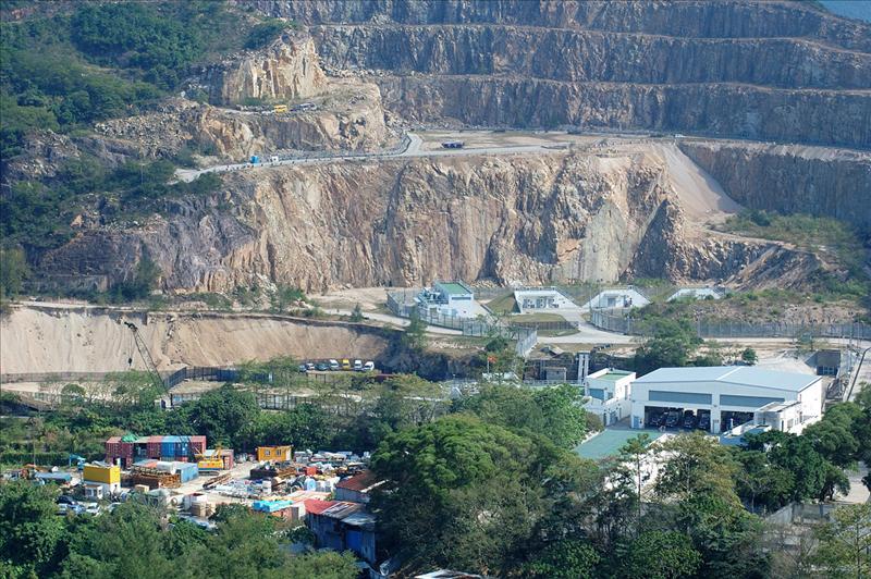 畢拿山石礦場 quarry