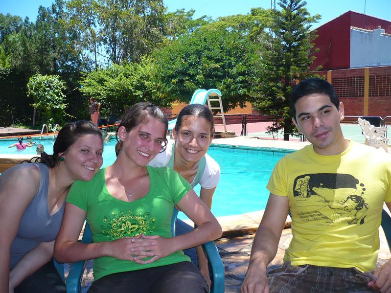 Ana, én, Laura, Iván