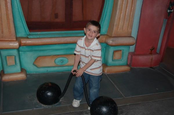 worlds strongest boy!!