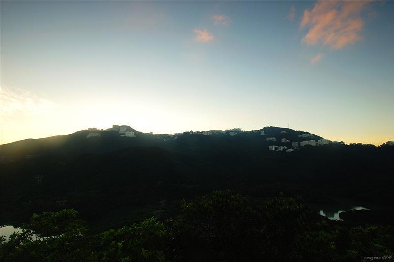 班納山山頂望上香港仔水塘及奇力山一帶