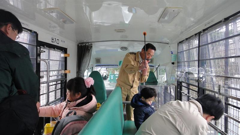 司機從頭到尾都是用日語解釋