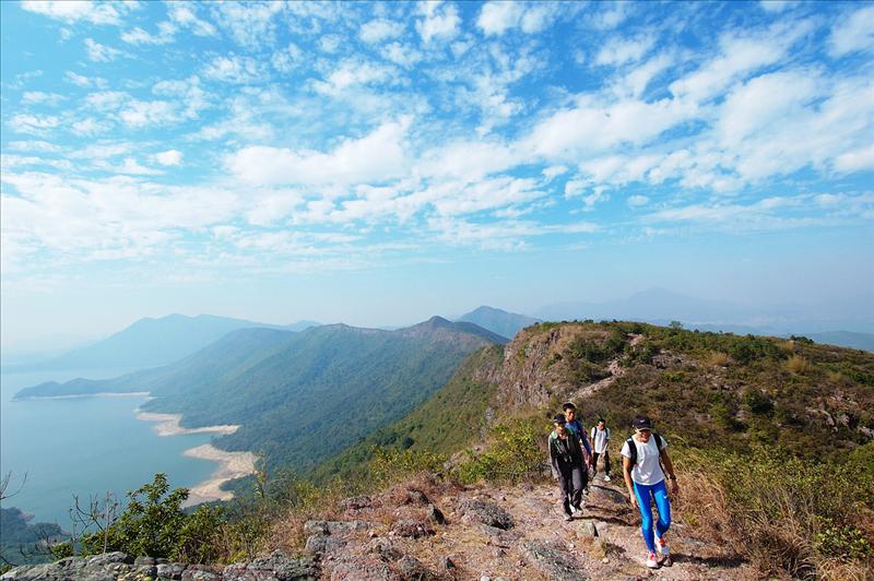 鹿湖峒望橫嶺山脈