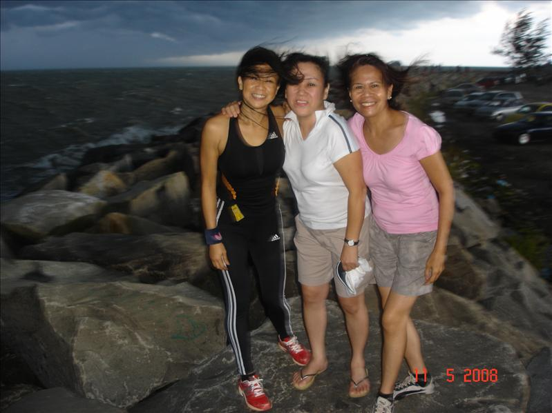 At Jerudong Beach witk Ms King n Kim