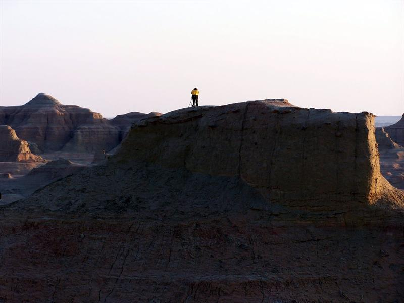 Lonely photographer, Wu'erhe, Xinjiang