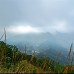 大帽山, 觀音山和下方的嘉道理農場