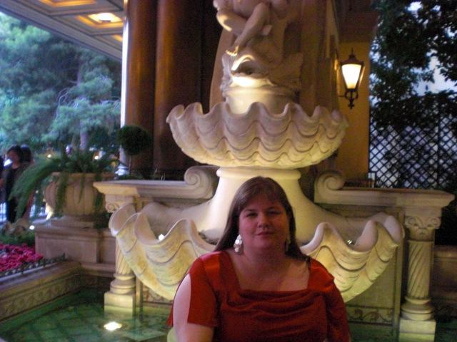 Me @ Bellagio entrance fountain - take 2