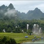 Detian Transnational Waterfallin the morning德天大瀑布