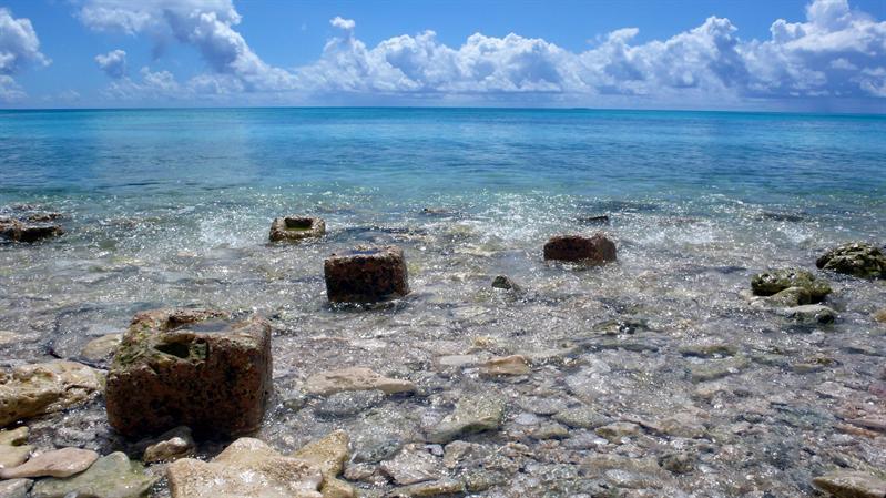 這裡什麼都缺,就是不缺蔚藍而大片的海水及天空