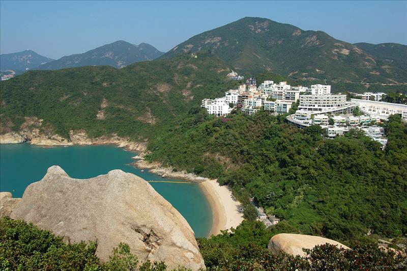 舂坎角泳灘 Chung Hom Kok Beach