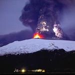 近距离拍摄冰岛火山喷发2.jpg