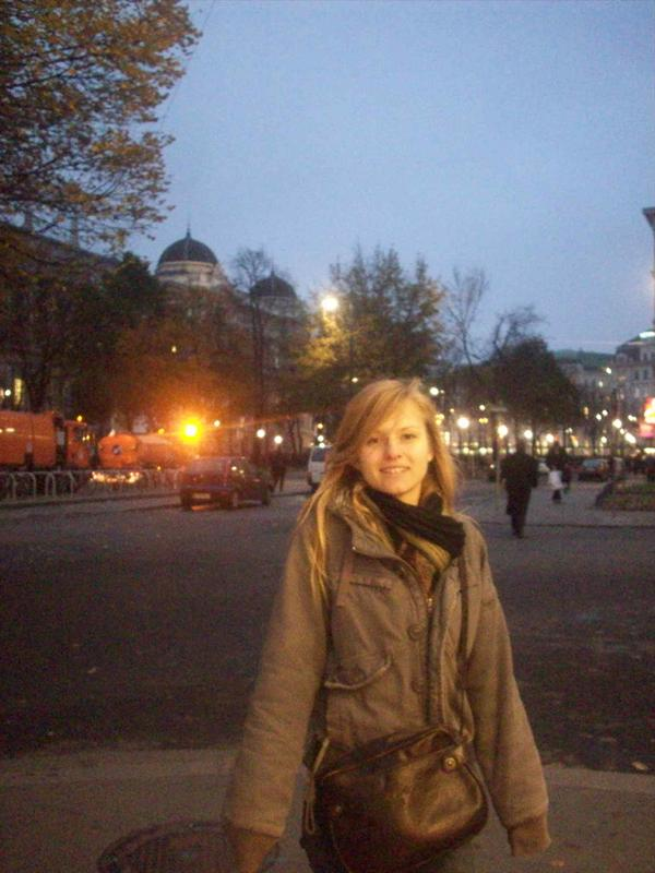Jess in Vienna! Student protest in the back!