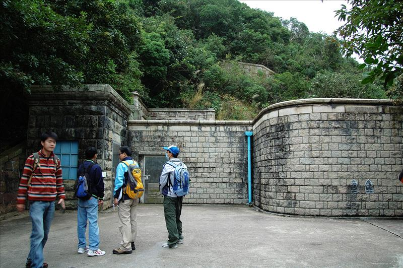 大潭上水塘記錄儀器房及隧道進水口 Tai Tam Upper Reservoir Recorder House 1917 and. Tunnel Inlet 1883 - 1888