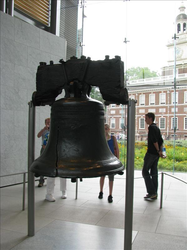 liberty Bell. icoon voor philly. Is de bel die geluiden werd toen de onafhankelijkheid van amerika werd verklaard in philly
