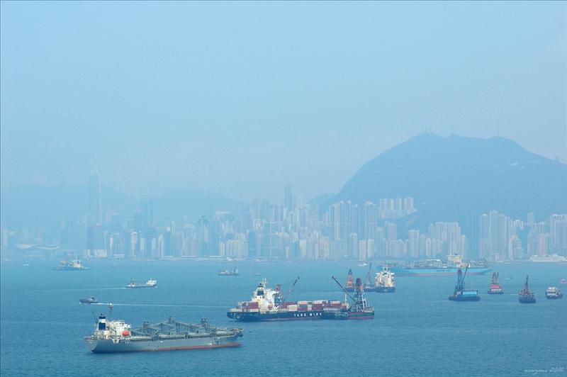 眺望香港島的高樓大廈