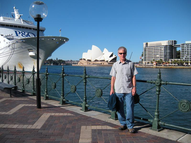 Pete by the cruise liner (and the Opera House) just after it docked