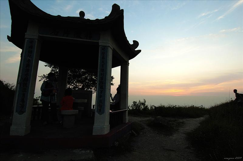 韓陵片石亭