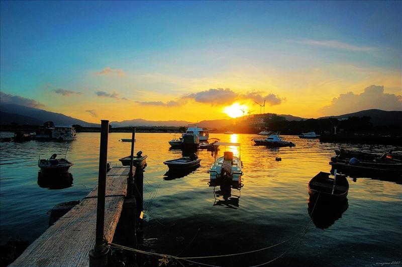 三門仔漁村可觀賞夕陽西下的餘暉美景
