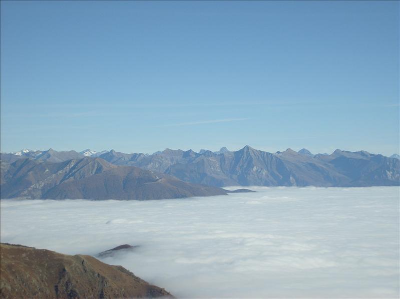 mar di nebbia•sopra Mergugno•2009