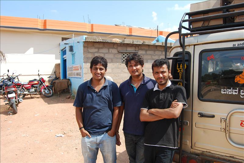 Sujith, Mayuru and Me(Prashanth).. :-)