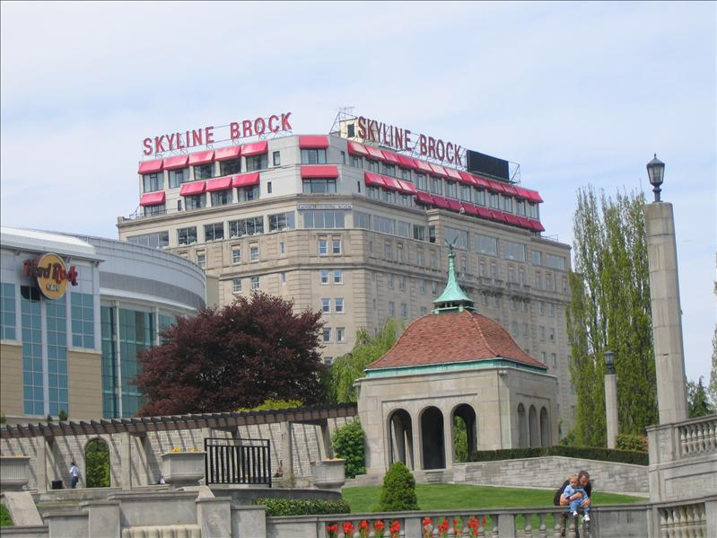 Skyline Brock Hotel 1