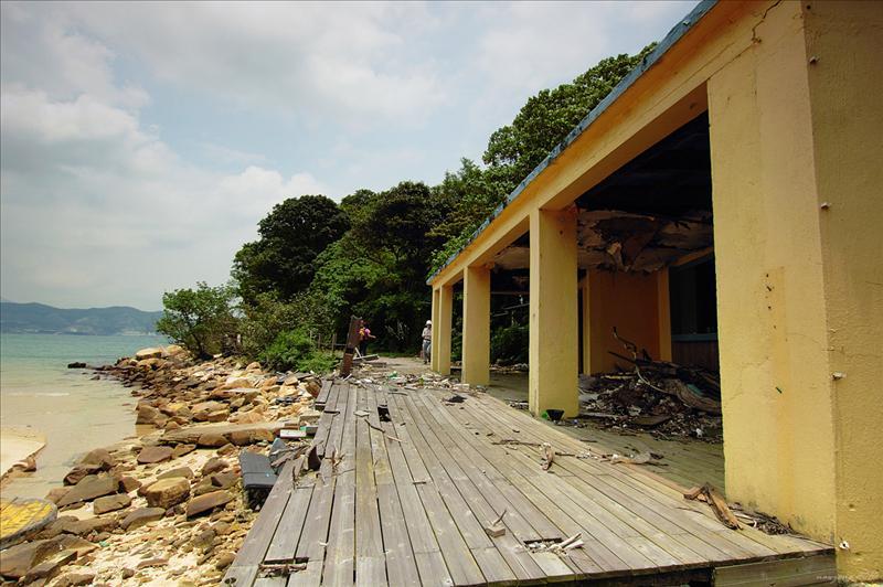 藍鯨灣渡假村的荒廢設施