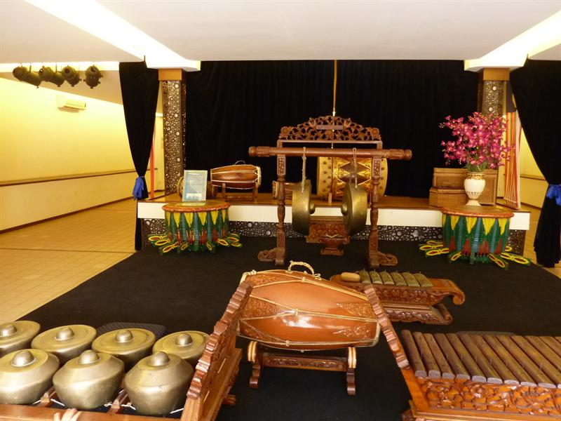 malaizietiski muzikos instrumentai