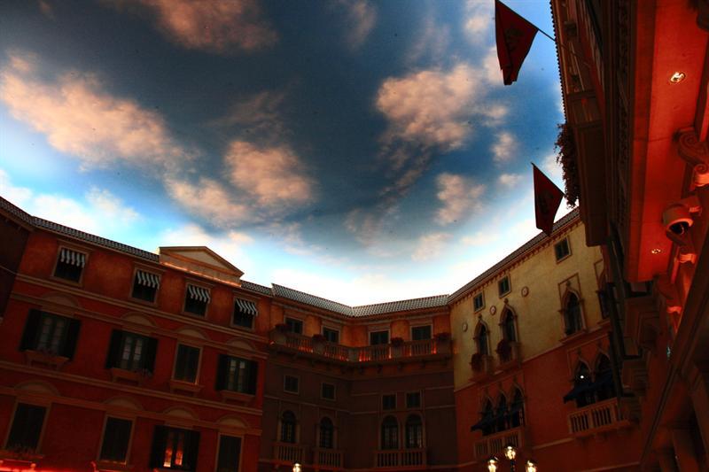 大運河廣場。這裡一年四季都是藍天白雲