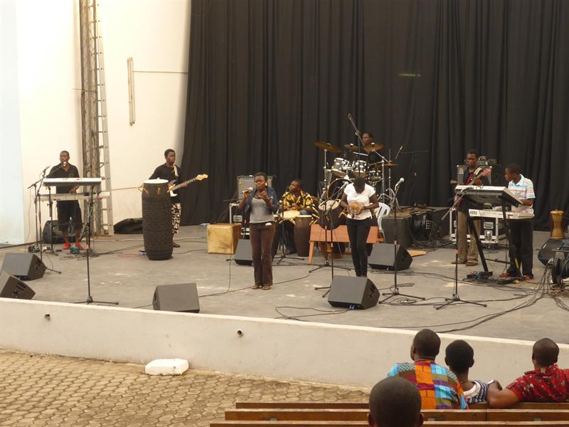 Royal Echoes Band - Contest Accra, Soundcheck, neue Trommeln!