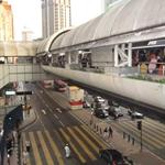 widok ze stacji pociągu miejskiego w dół