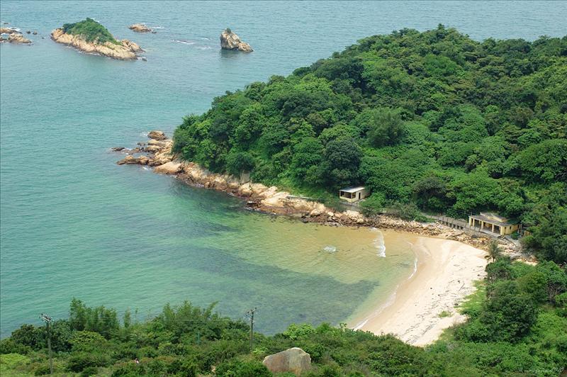 下望花瓶灣 (藍鯨灣) Fa Peng Wan (Blue Whale Bay)