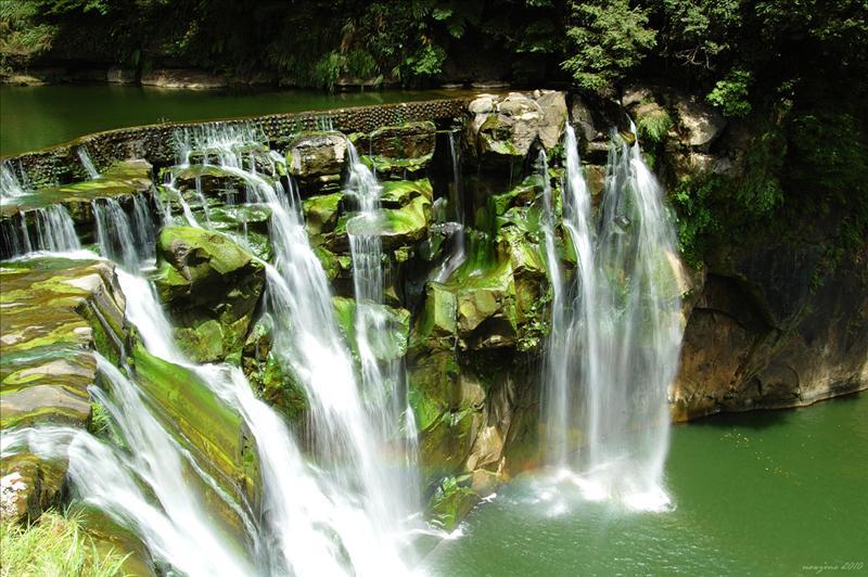 十分瀑布 Shi Fen Waterfall