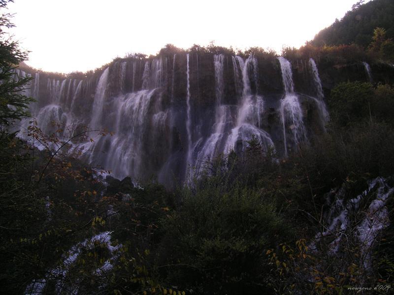 Nuorilang Falls (Nuòrìlǎng Pùbù) 諾日朗瀑布