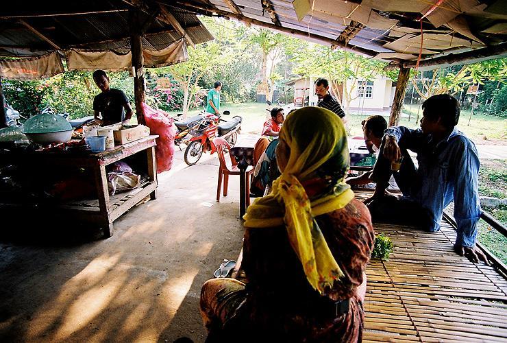 ร้านอาหารเช้า ที่เกาะกลาง