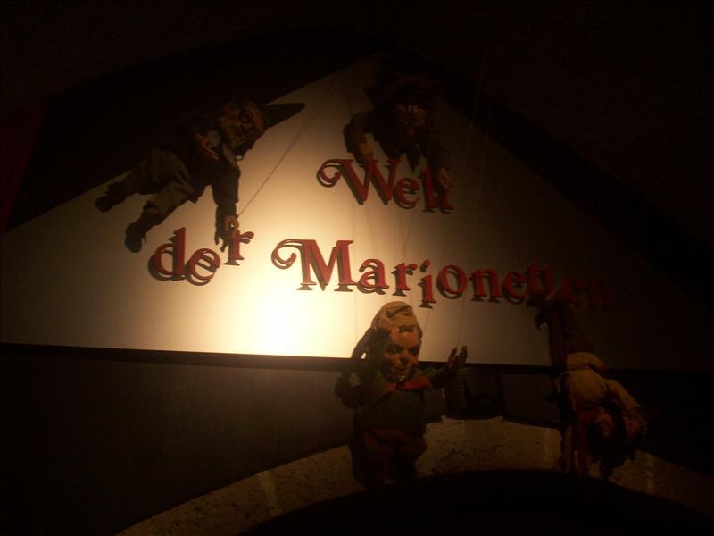 Welt der Marionetten