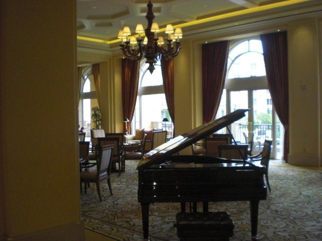Grand piano in the lobby @ Ritz