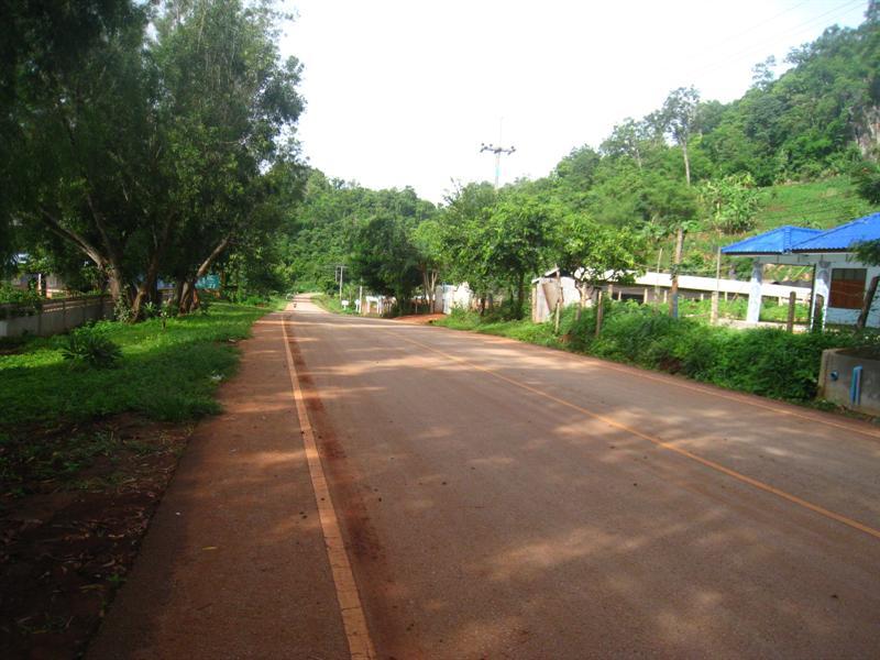 第一天抵達猛納村~我們到處去走走看看~