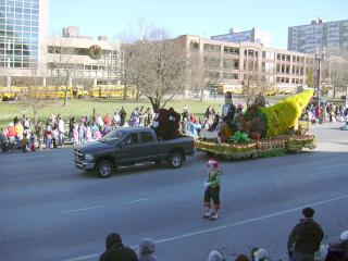 While not the best parade, they try in this pre-Christmas warm up parade