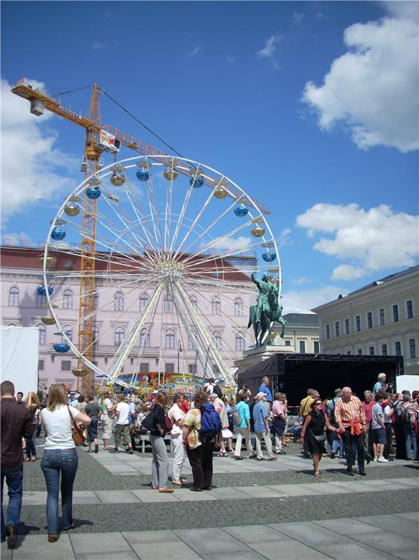 Ferris Wheel to celebrate the 850th Anniversary of the city of Munich